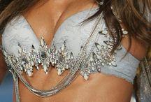 Victoria Secret Fashion Show 2008 - Glamour Goddess