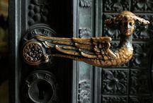 photo Windows&doors&door knobs