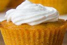 Impossible Pumpkin Pie Cupcakes | www.cakescottage.com | #recipes #pumpkin #cupcakes