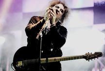 Robert Smith / by Adriana Feregrino
