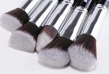 Malika Jafrin MAKEUP / Malika Jafrin Kabuki Brush Collection.  Experience the premium quality production for everyday makeup application.   To purchase check: http://www.amazon.co.uk/dp/B00RY9Q1OO