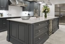 Luxury Home Kitchen / Ideas and designs for a luxury home kitchen