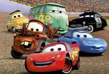 Børnefødselsdag Cars / Stort udvalg og inspiration af den populære Disney Cars festartikler til de spirende racerkørere. Til alle Lightening McQueen fans og Cars entusiaster har vi dekorationer, engangsservice, balloner, konfetti og festtilbehør til din børnefødselsdag med Disney Cars tema. http://www.sjovogkreativ.dk/da/17-cars