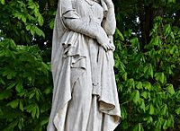 Bathilde (630 +664) R. Neustrie (épouse Clovis II 649) puis régente (657) / Bathilde (Bauthieult, Bauteude ou Baudour), anglo-saxonne. Reine des Francs puis régente de la Neustrie (657). Née vers 630, décédée le 30 janvier à Chelles, sépulture à l'abbaye de Chelles. Conjoint: CLOVIS II. Enfants: CLOTAIRE III, CHILDERIC II, THIERRY III.