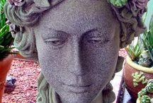Esculturas c plantas