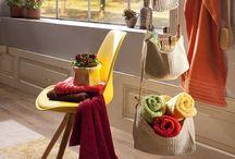 """Indian Summer / Genießt die phänomenalen Farben und die intensive Färbung der Blätter. Gelbe, rote und goldene Farben ziehen bei euch zu Hause ein. Mit unseren Produkten zaubert ihr euch das Gefühl des """"Indian Summer"""" in die eigenen vier Wände."""