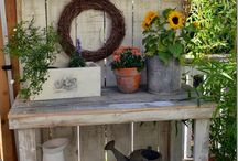 Potting Bench / by Nicole| ILLINOIS