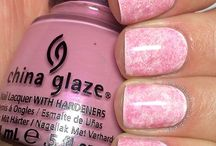 nails nails and more nails / by Jacqui Baers