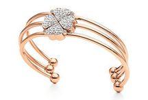 Ooooo it sparkles..... / Jewels, sparklers and stunning accessories