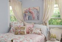 Shabby Chic-ness / by Mitten Mindset
