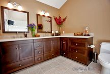 Bathroom Design 81 / Our traditional style bathroom remodel with an L-shaped vanity.