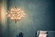 Flos / De verlichting van Flos bestaat uit een collectie iconische ontwerpen. Of het nu verlichting voor binnen is of voor buiten, voor in uw woning of in een project. Diverse bekende gebouwen en musea zijn al voorzien van het licht van Flos.