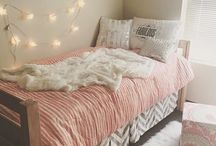 kent dorm ⚡️ / pink, light brown, & white colors / other ideas