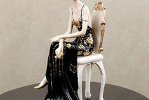 ladies in SILENCE - figurine