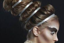 make-up extravagant top