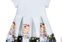 Monnalisa / Модели бренда детской одежды Monnalisa и ткани для этой одежды