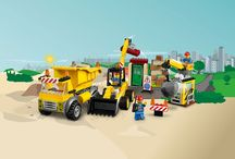 Mumsnet and Lego Juniors competition 2017 / Ideas for a Lego Juniors Demolition site world. Includes digger ideas for party, crafts and bedrooms #MNLegoJuniors