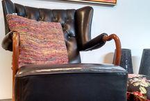 Meubels en kussens voor verkoop / Deze stoelen en meubels hebben wij gestoffeerd en kunnen bij ons gekocht worden. Als u interesse heeft, laat het gerust weten!  www.MeubelstoffeerderijRiaPruissen.nl