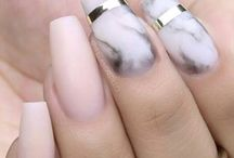 Nail Art / ANY WOMAN CAN WEAR A GREAT OUTFIT, BUT IT IS HER NAILS THAT MAKES THE STATEMENT