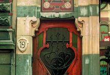 Ho Door