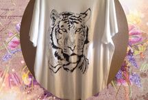 Hand painted t-shirts in fabric paint / Hand painted t-shirts in fabric paint
