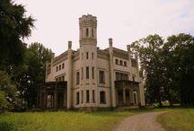 Piekary (powiat krakowski) - Pałac / Pałac w Piekarach wybudowany na miejscu wcześniejszego dworu rodziny Żeleńskich, w latach 1857-1865 przez Alfreda Milieskiego. Obecnie własność prywatna.