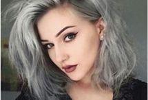 Szare włosy Asi