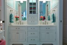 Dream Cottage_Bathroom / by Loretta Cannon Proctor