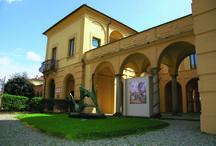 Architettura / L'edificio che ospita la Galleria d'Arte Moderna Ricci Oddi ha una storia particolare: è stato ideato, progettato e costruito dall'architetto Giulio Ulisse Arata, amico del fondatore del Museo.