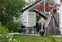Vakantiehuisjes / Vakantiehuisjes in Friesland voor 8, 6 of 4 personen. Deels direct aan het water gelegen met eigen aanlegsteiger en tuin op het zonnige zuiden.