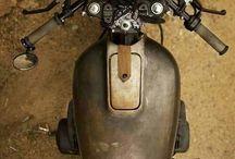 •-• Moto •-•