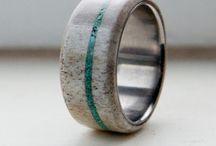 wedding rings / by Terra Knop