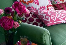 roses & peonys / Home with bold patterns, lushy flowers and bright colors
