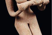 Indus Valley Harappa art artifacts / Indus Valley vase - Harappan art