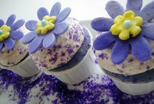 Cupcakes / by Janet Henze