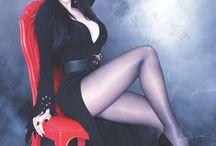 Mistress Elvira Dark