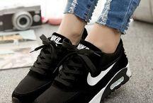 Zapatos y zapatillas❣️