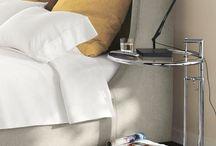 Schlafzimmer Inspirationen mit Designklassikern / Das Schlafzimmer ist für jeden etwas besonderes und sollte deswegen ein schöner stilvoller Raum sein, in dem man wunderbar entspannen und träumen kann. Wir möchten hier Ideen geben, wie Sie Ihr Schlafzimmer mit Designklassikern von moDecor gestalten können.
