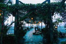 Bali Eats / Best eateries & bars in Bali
