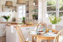 Cocinas pequeñas / No hacen falta muchos metros cuadrados para tener una bonita cocina. En este tablero compartimos ideas para cocinas pequeñas. ¡Esperamos te sirvan de inspiración!