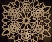 skull love / we are all living skeletons
