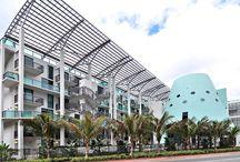 EXTERIOR / This unique building's translucent architectural design was a creation of world famous Sieger-Suarez Architecture Group.