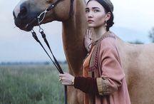 LADY & A HORSE