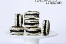 sweets/desserts: macarons