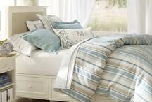 Coastal Casual: Bedrooms / by Rebecca Quinlan