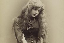 Aedis Aurea: Vintage Beauty