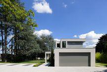VILLA BUC à l'ouest de Lyon par Laurent GUILLAUD-LOZANNE Architecte / Villa contemporaine sur 2 niveaux