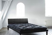 Zona Notte | Letti in legno / Dormiamo circa un terzo della nostra vita e il letto è il luogo dove passiamo più tempo che in qualsiasi altro posto.
