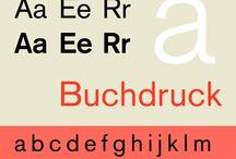 Type Specimen - Sans Serif / Opzoek naar een Sans Serif Font maar geen idee hoe en waar te zoeken? Bekijk dan eens mijn Sans Serif Fonts specimen (of: preview, sample) board. Schreefloos (sans serif) is de aanduiding voor een lettertype zonder schreven, dus zonder de dunne dwarsstreepjes aan het uiteinde van de verticale en horizontale balken.  In de typografie bestaan grofweg drie categorieën: met schreef, zonder en overige. Bekende schreefloze lettertypes zijn: Helvetica, Futura en Avenir.