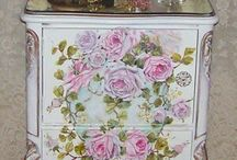 Shabby Chic / by Jodie Emmons
